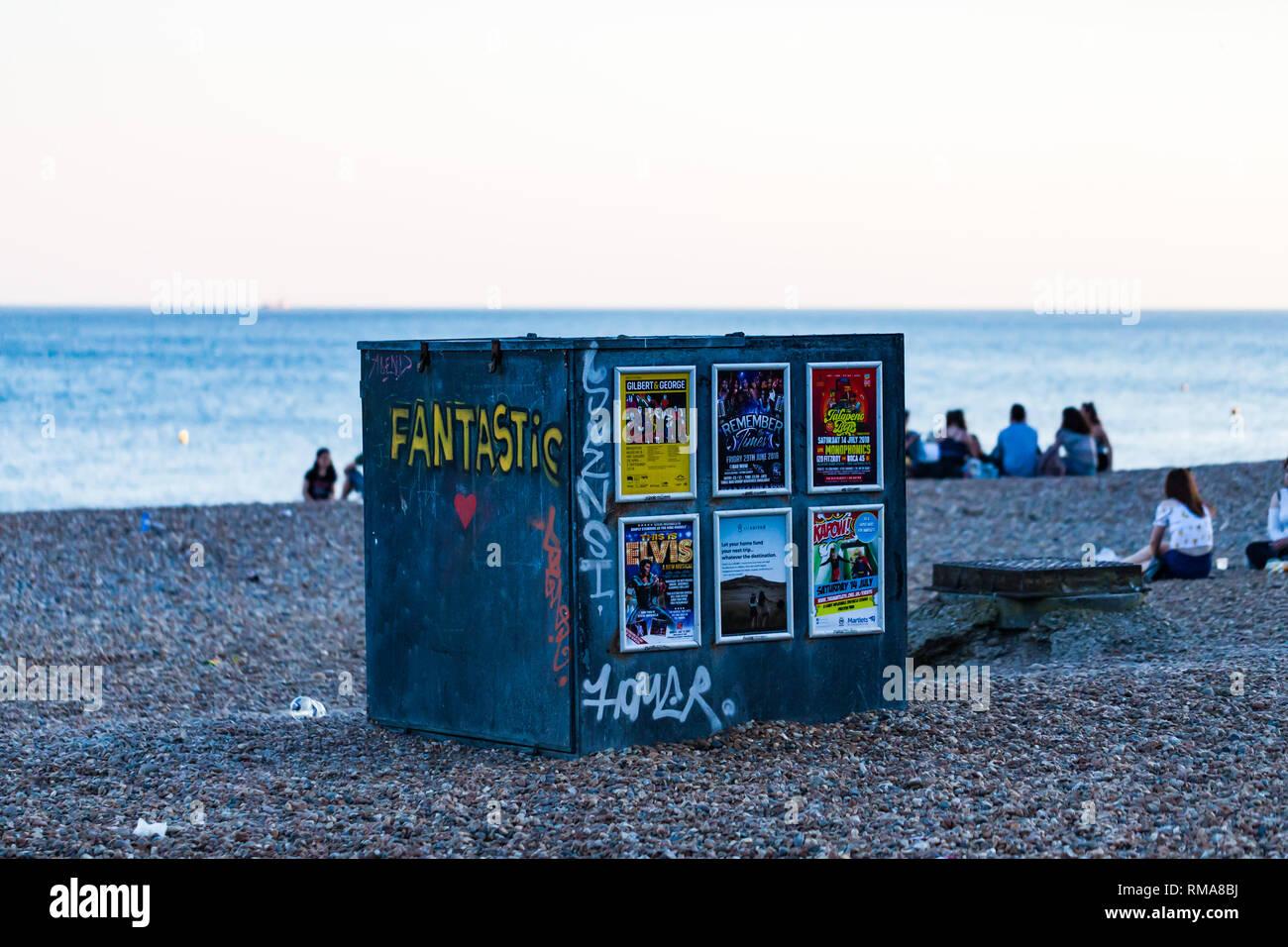 Lo Sdraio O La Sdraio.Brighton Regno Unito Giugno 2018 Regolabile Sedia A Sdraio Per Lo