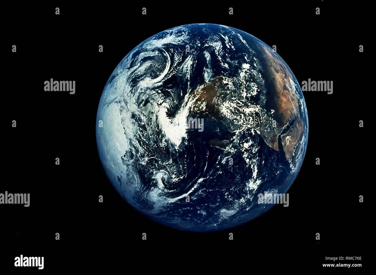 Il pianeta terra come una sfera solida sulla quale in Arabia Saudita, in Africa e in Antartide può essere riconosciuta. La foto è stata scattata durante la missione Apollo 17 nel dicembre 1972. Immagini Stock