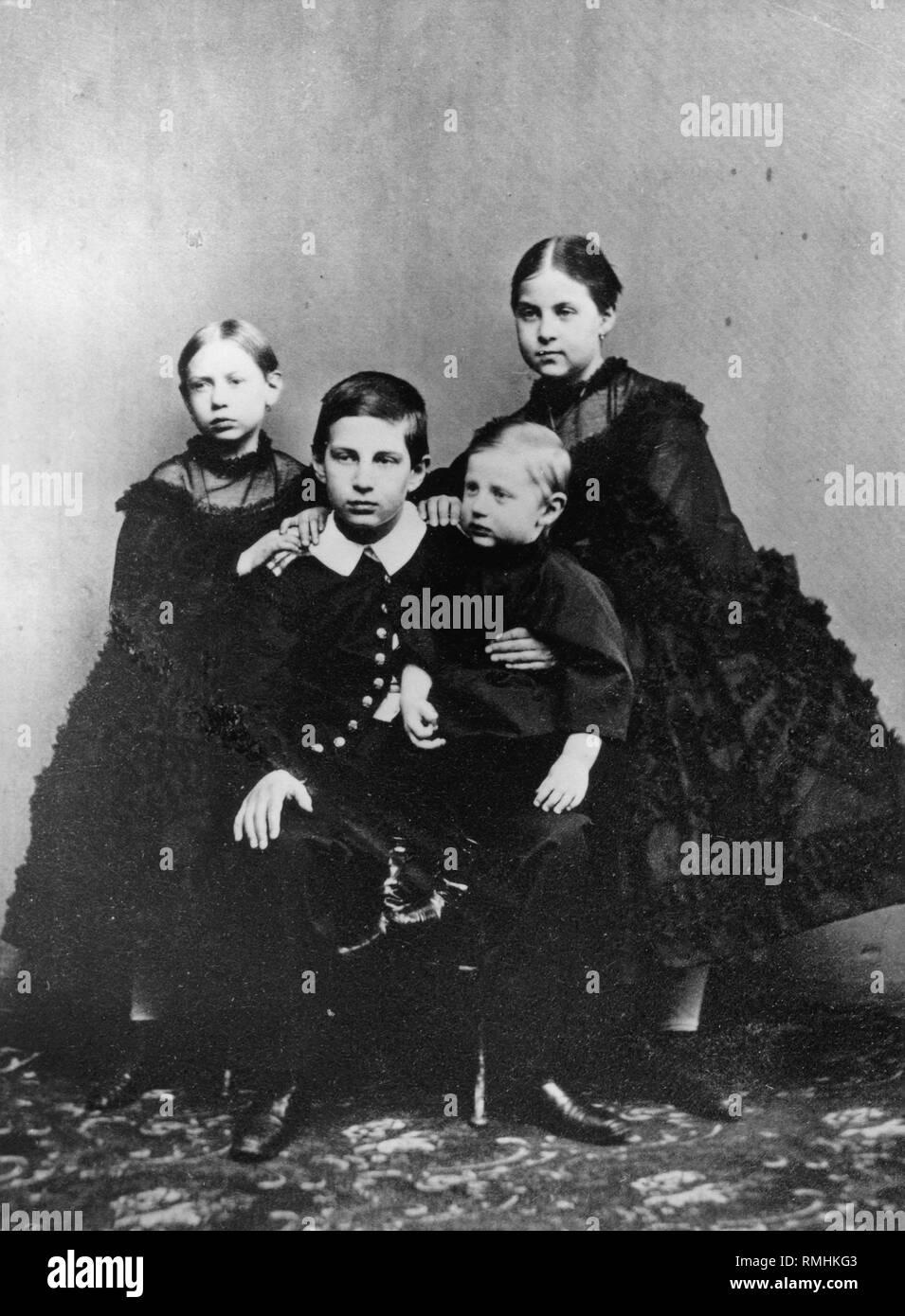 I figli del Granduca Constantin Nicholaevich della Russia: Vera, Nicholas, Constantin e Olga. Foto di albumina Immagini Stock