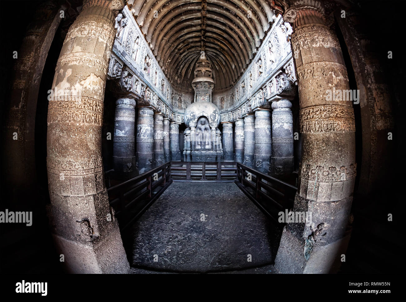 Statua di Buddha in antiche grotte di Ajanta vicino a Aurangabad, Maharashtra, India Immagini Stock