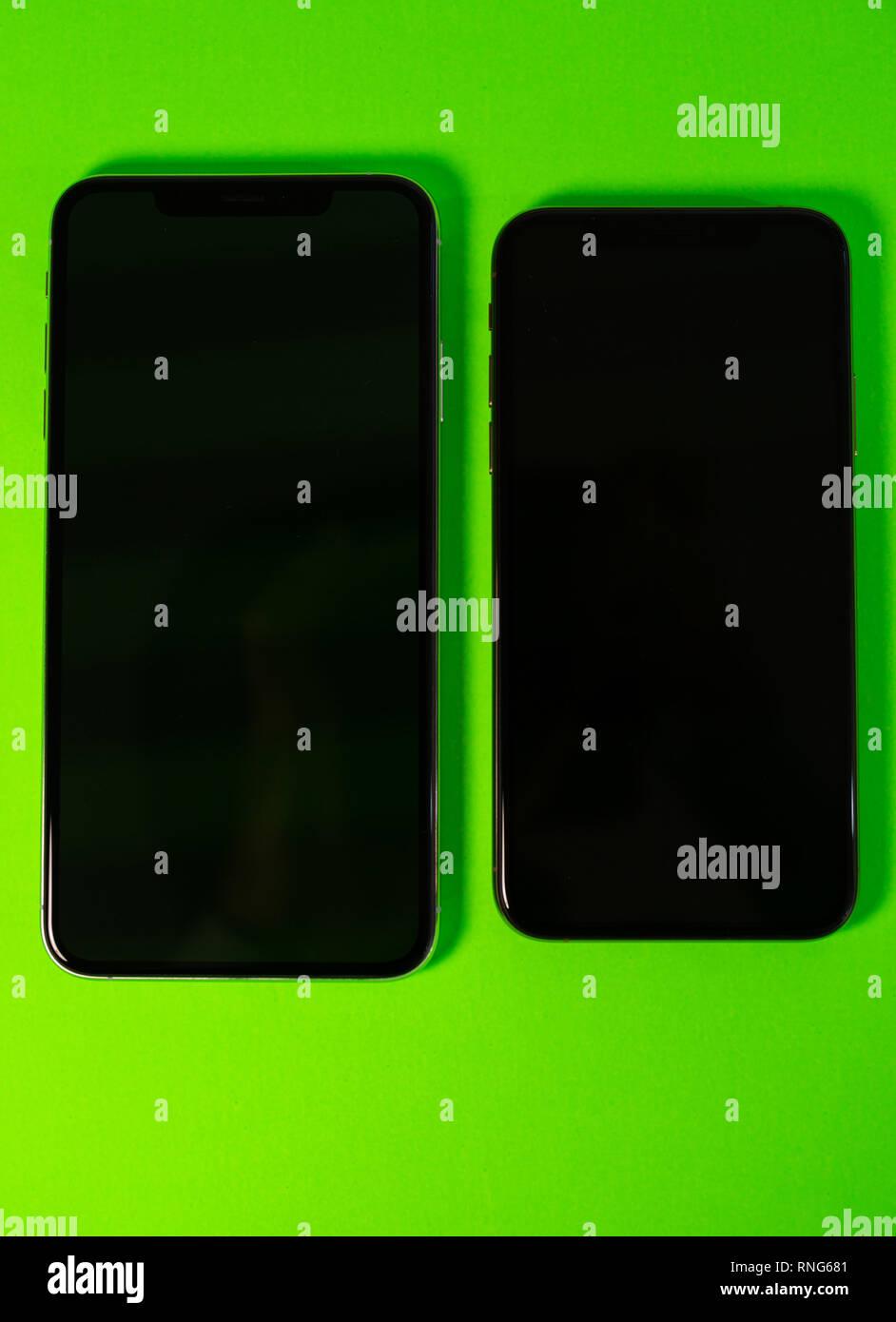 Parigi Francia 27 Settembre 2018 Due Computer Apple Iphone Xs E