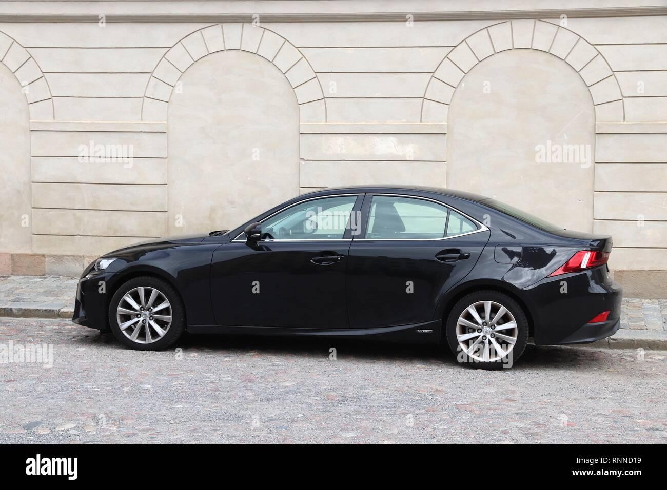 Stoccolma, Svezia - Agosto 23, 2018: ibride Lexus IS 300 parcheggiato a Stoccolma, Svezia. Ci sono 4,8 milioni di autovetture immatricolate in Svezia. Immagini Stock