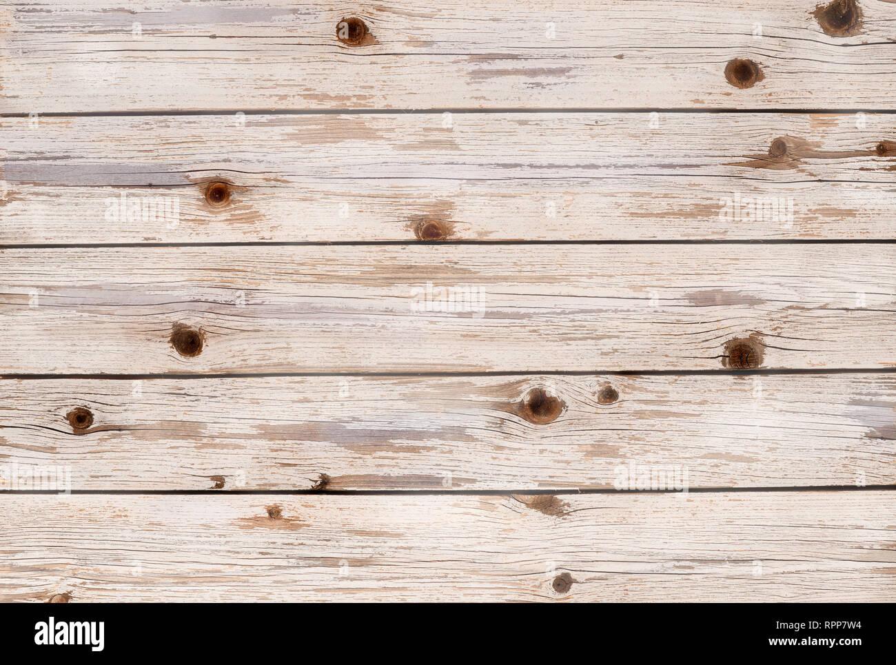 Assi di legno in un piano orizzontale di colore bianco ...