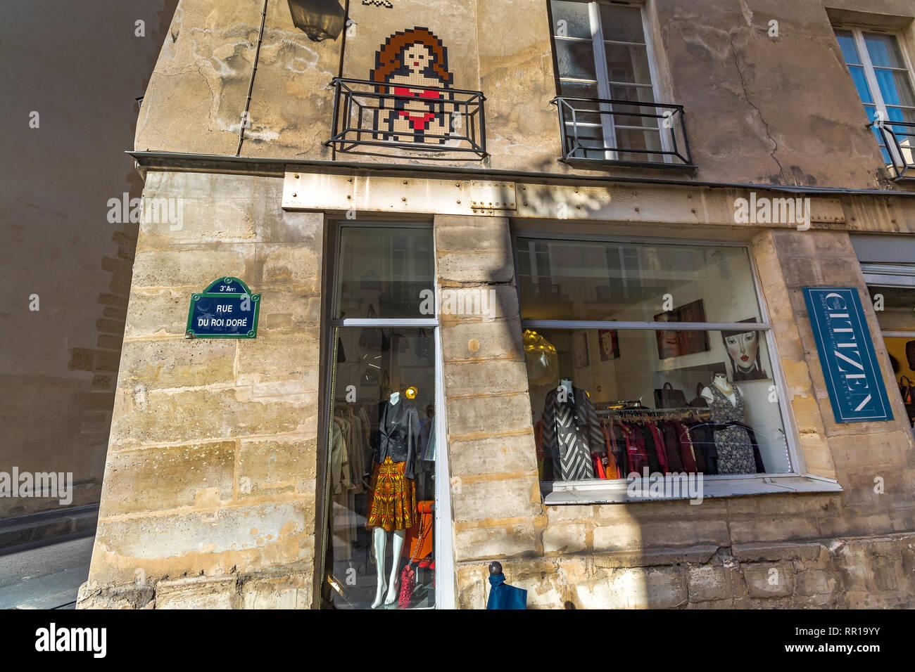 af4f547946c3 Cittadino Concept Store un annata di lusso negozio di abbigliamento sulla  Rue du Roi Doré
