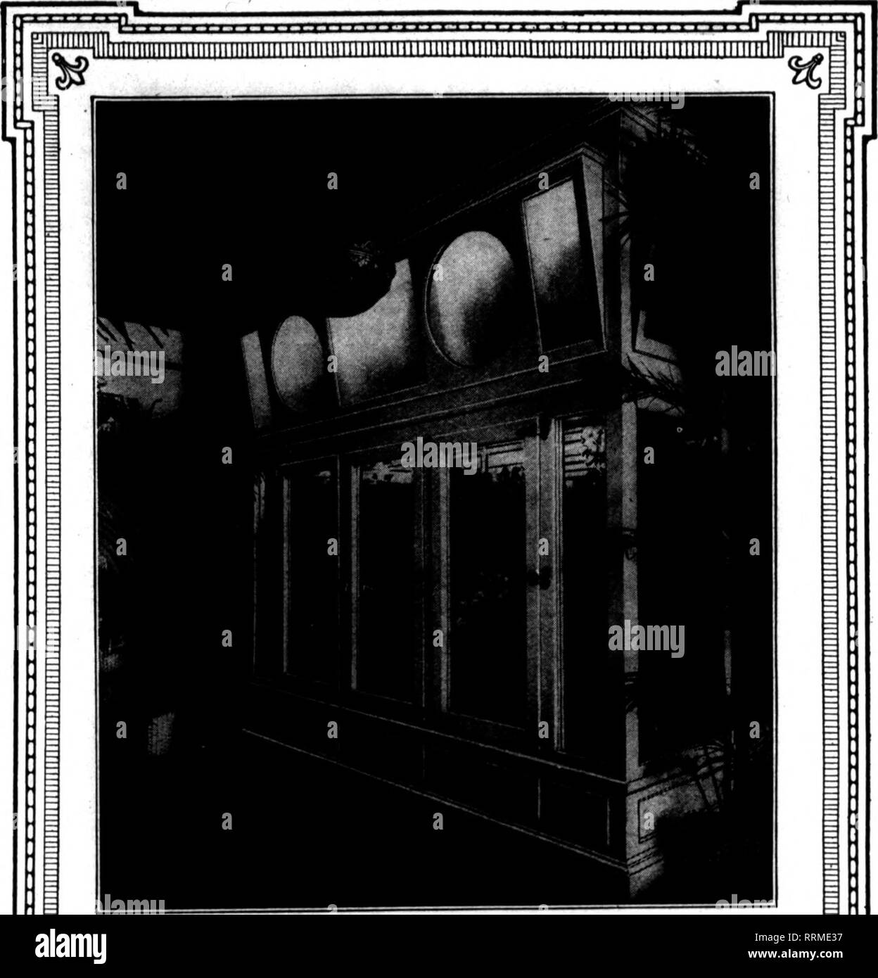 . Fioristi' review [microformati]. Floricoltura. Il 2 marzo 1916. I fioristi' Riesaminare 43 Pubblicizzi il tuo business mentre rendendo vantaggiosi pacchetti utilizzare spago pubblicità un nastro 3-16-in largo, su cui si stampa il tuo annuncio ogni pochi centimetri. I costi non più di spago. 1000 cantieri di spool. Porta-spole con taglio- tachment fornita gratuitamente con il primo ordine. I seguenti prezzi includono la stampa di: $1.85 per 1000 cantieri in cantiere 4000 partite 1,75 per mille cantieri di 12000 cantiere Lotti. Inviare oggi per.libera colorcard. Ordine diretto o attraverso il grossista a. NeuerA Hoffmann 75 Orand St., NEW YORK CITT M Immagini Stock