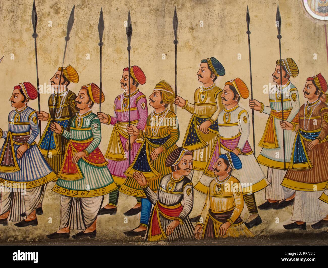 Un muro dipinto in un hotel in Udaipur, Rajasthan, India, visualizzazione di un corteo reale con Rajput soldati Immagini Stock