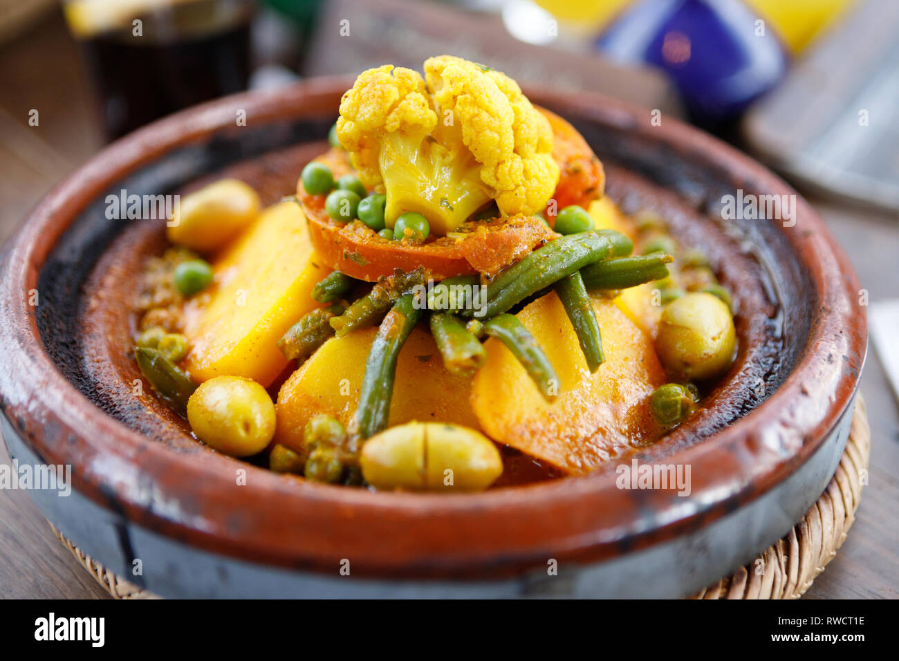 Spezie Marocchine Per Tajine.Tipico Piatto Marocchino Tagine Di Verdure Con Patate
