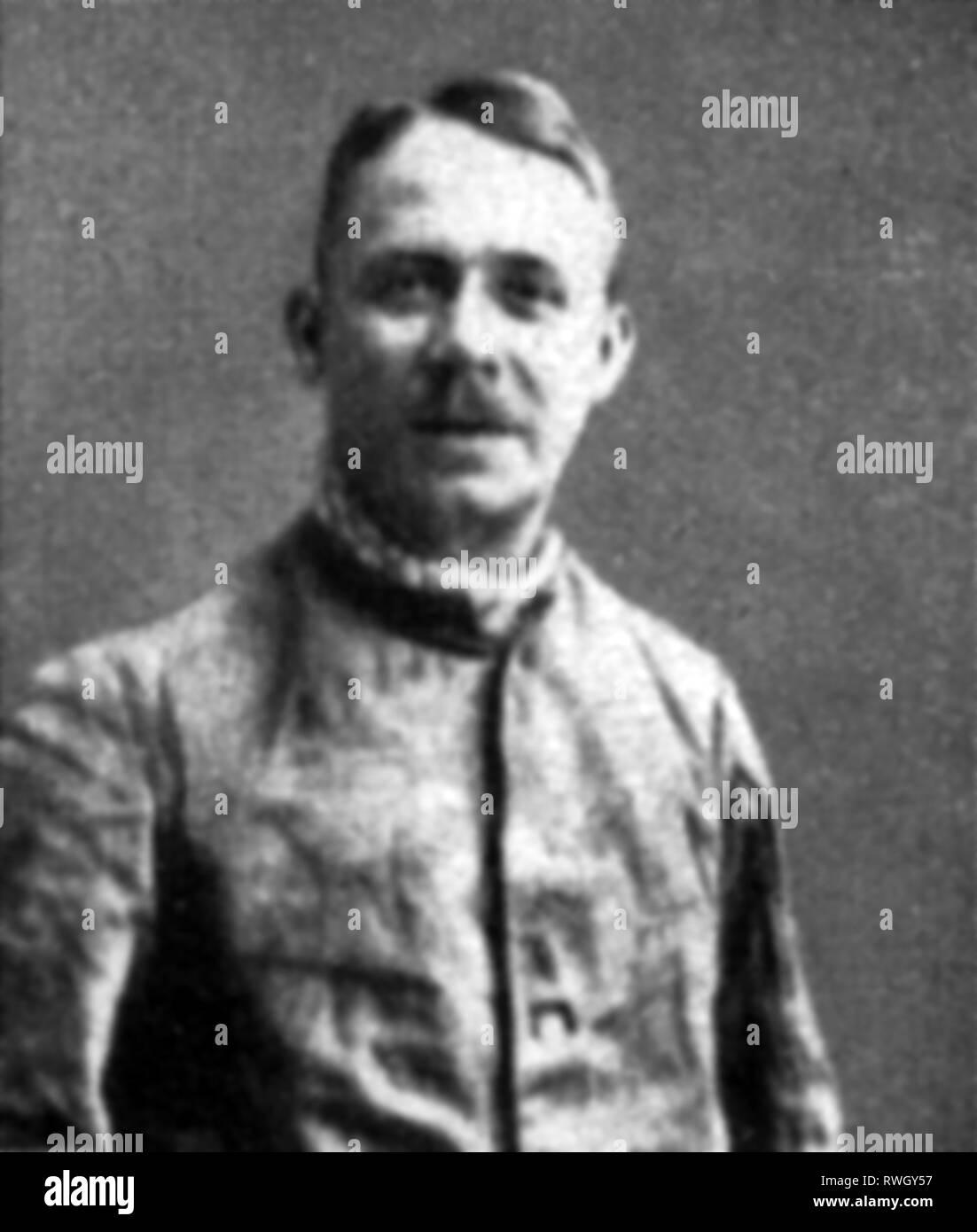 Haarmann, Friedrich 'Fritz', 25.10.1879 - 15.4.1925, criminale tedesco (serial killer), mezza lunghezza, dopo il suo arresto, a presscall, novembre 1924, Additional-Rights-Clearance-Info-Not-Available Immagini Stock