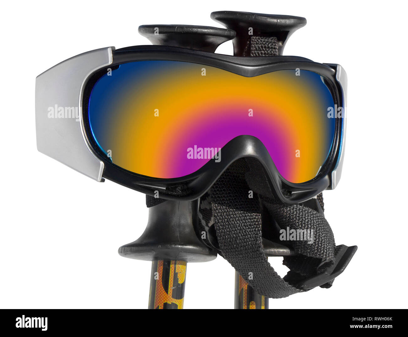 In prossimità delle maschere da sci su bastoni da sci isolato su bianco backgraund Immagini Stock
