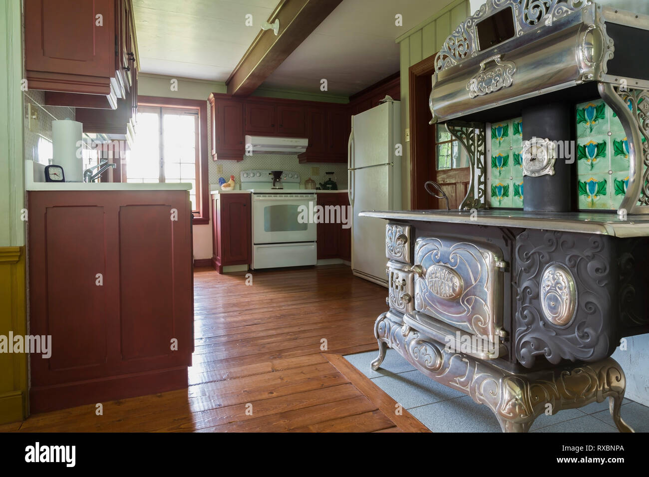 Stufa A Legna Stile Inglese belanger petit royal 1940 antica stufa a legna e cabinet in