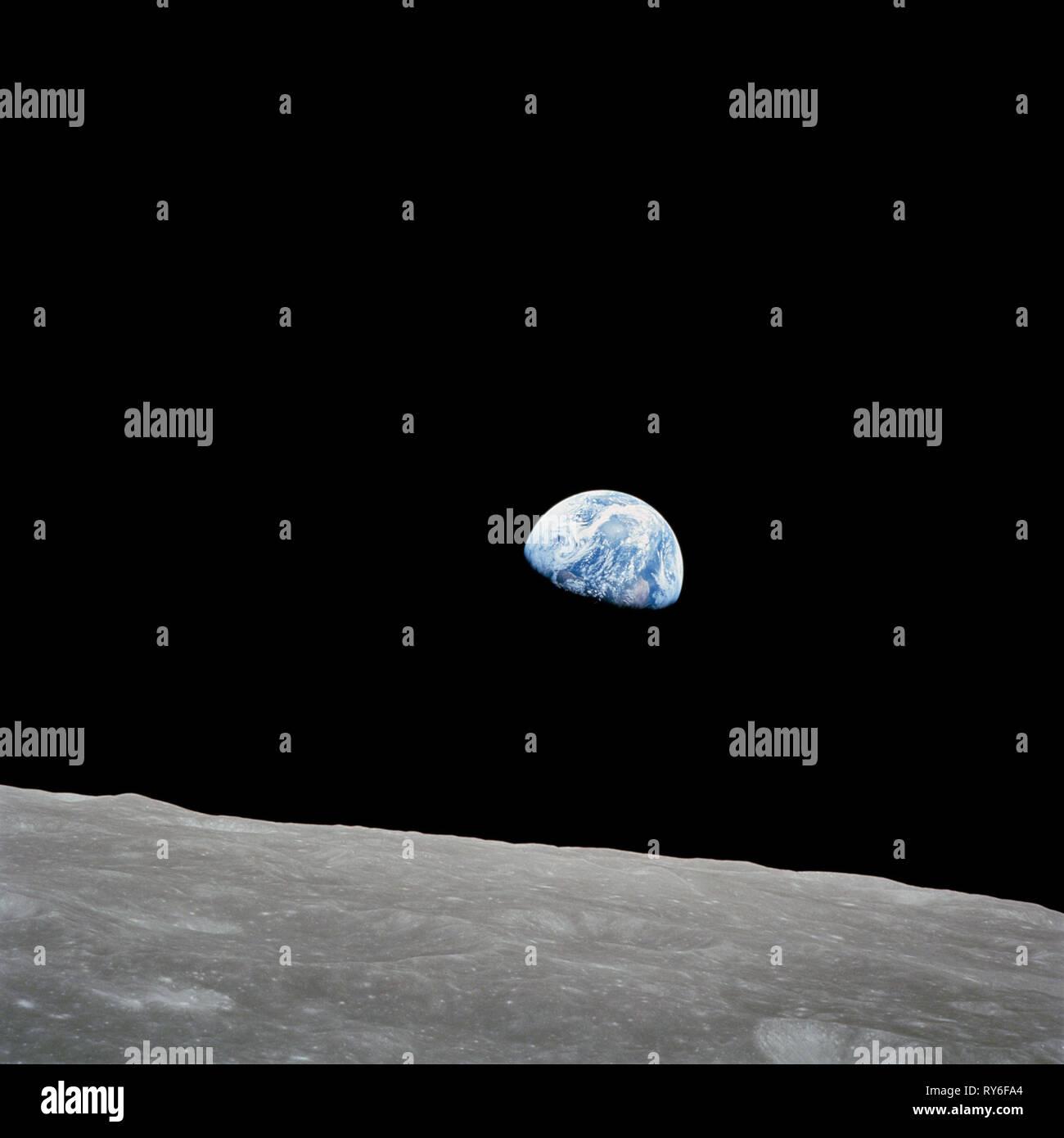 Il iconic foto della Terra vista dallo spazio per la prima volta via Apollo 8, Dicembre 24th, 1968 Immagini Stock