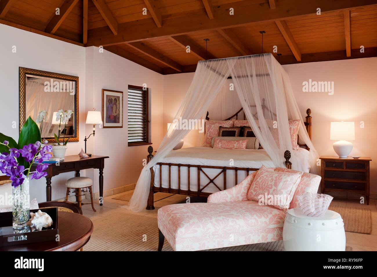 Camere Da Letto Con Letto A Baldacchino : Rustico camera da letto con letto a baldacchino in tamarind cove
