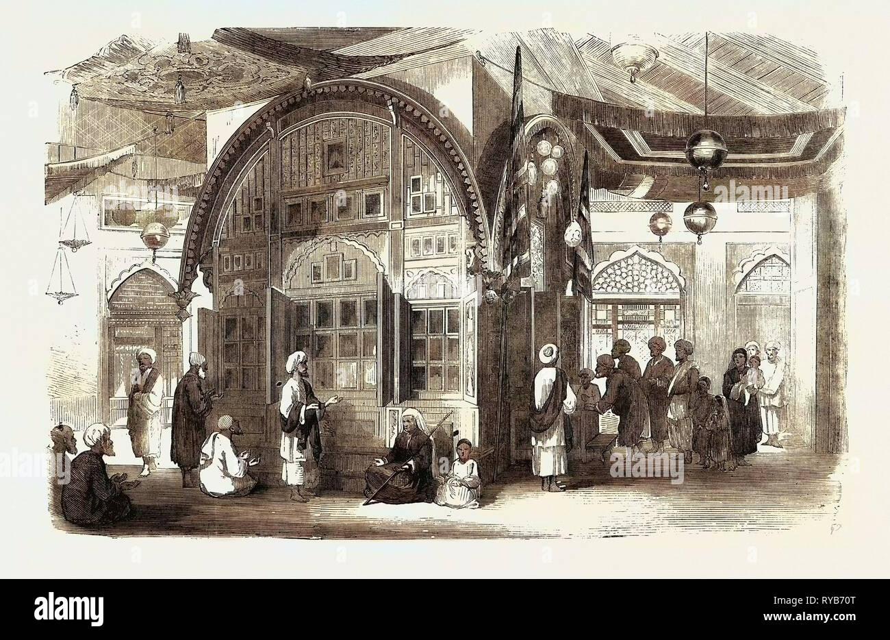 Tomba di un Mussulman, interno della tomba del padre di Sheik Imaum-Oo-Deen, fine governatore del Cashmere sotto Shere Singh, 1858 Immagini Stock