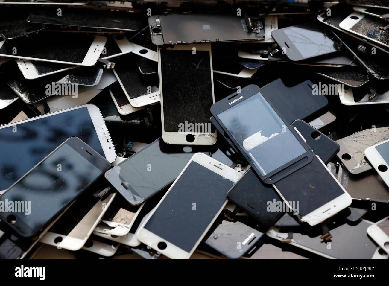 Il riciclo cellulare e smart phone. Molde. La Norvegia. Immagini Stock