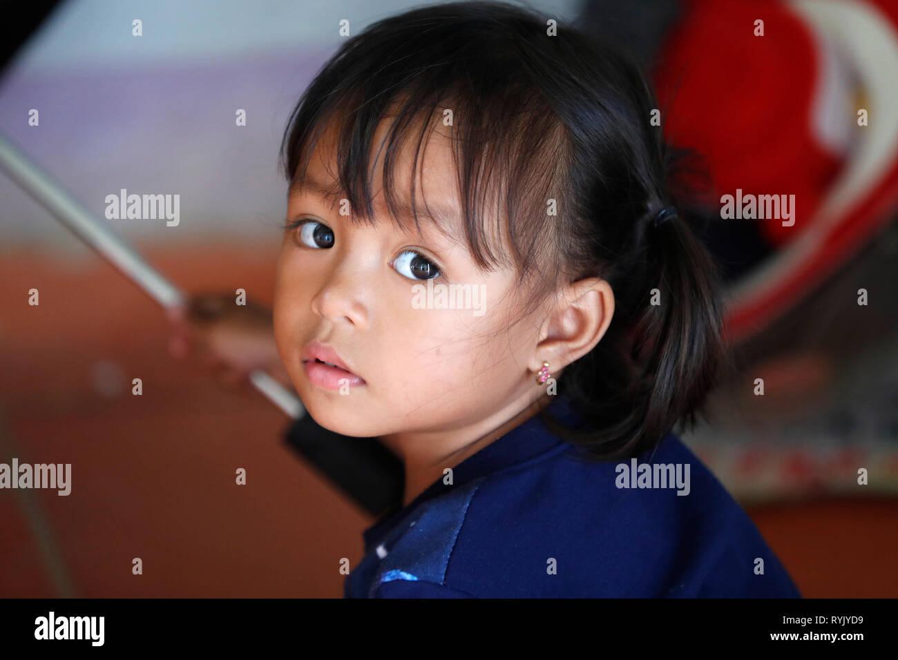 La minoranza etnica bambino. Giovane ragazza. Dalat. Il Vietnam. Immagini Stock