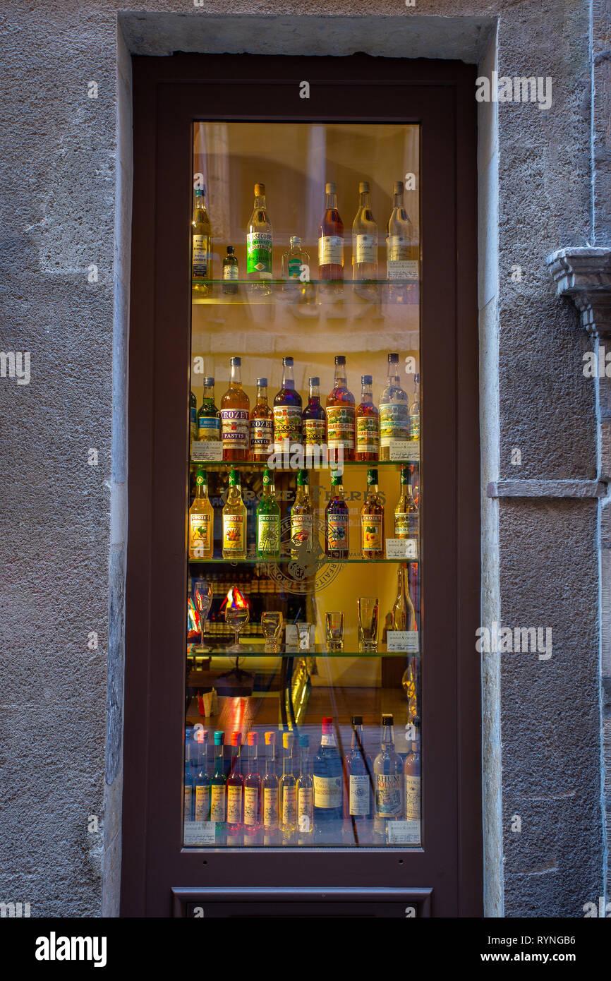 Tipico negozio di liquori a Lione Immagini Stock