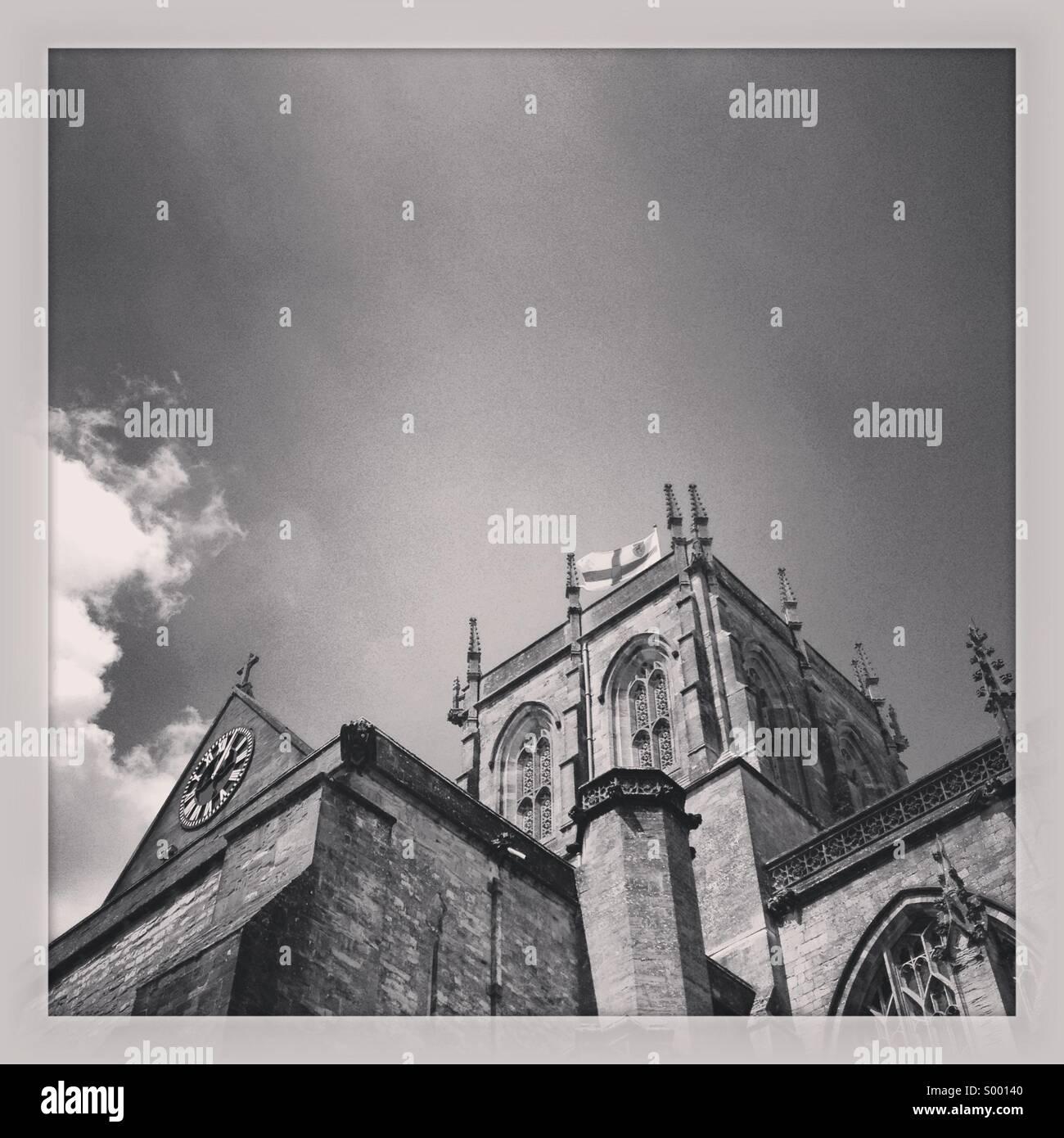 Luce sul tetto della chiesa, Sherborne, Inghilterra Foto Stock