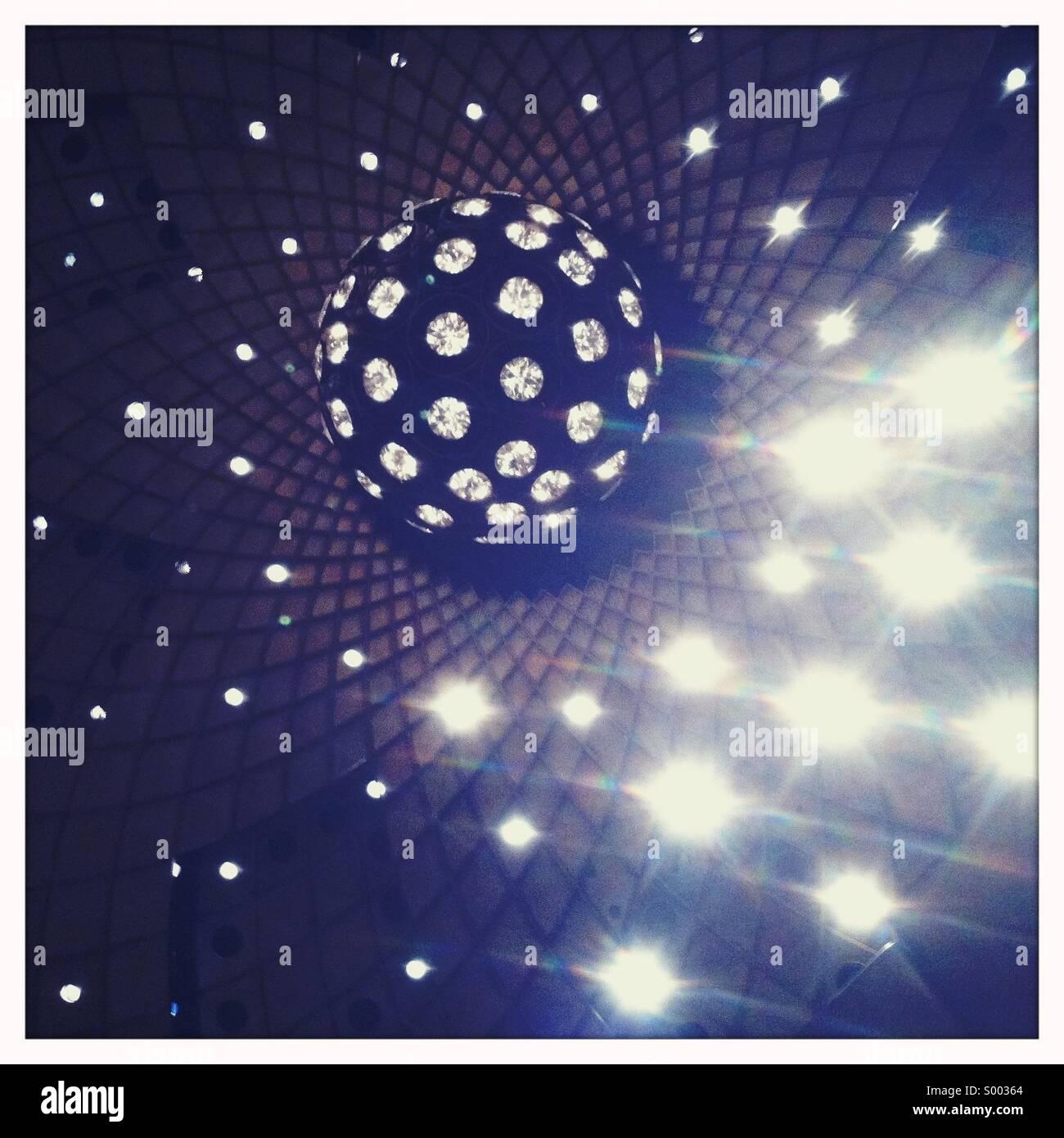 Una sfera di spumanti e luci Immagini Stock