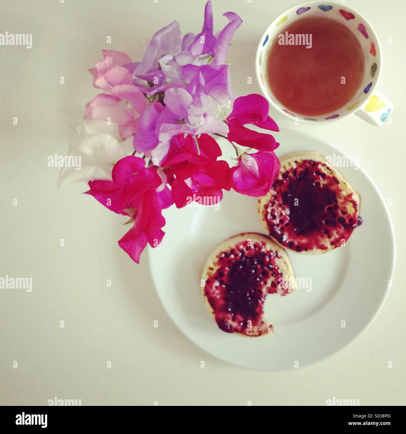 Bollitore per tè e cialdine Immagini Stock