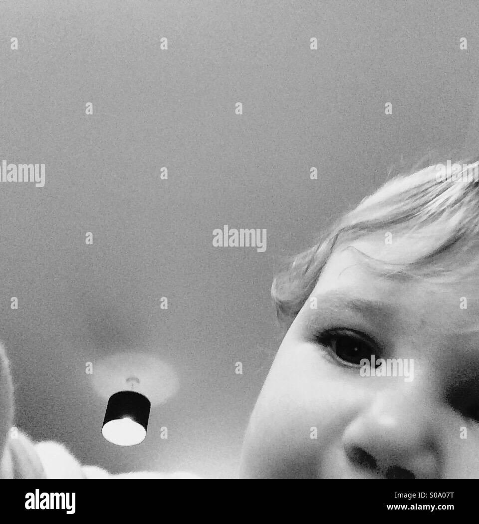 Photobomb bambino Immagini Stock