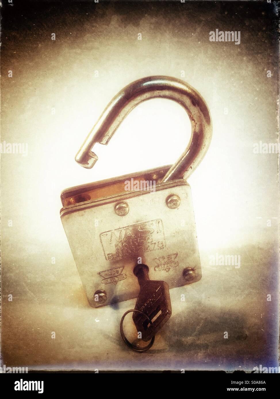 Serratura e chiave. Serratura aperta. Immagini Stock