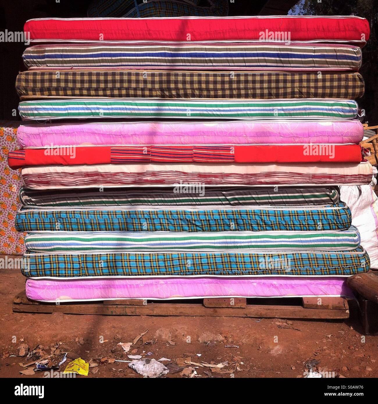 Pila di materassi Foto Stock