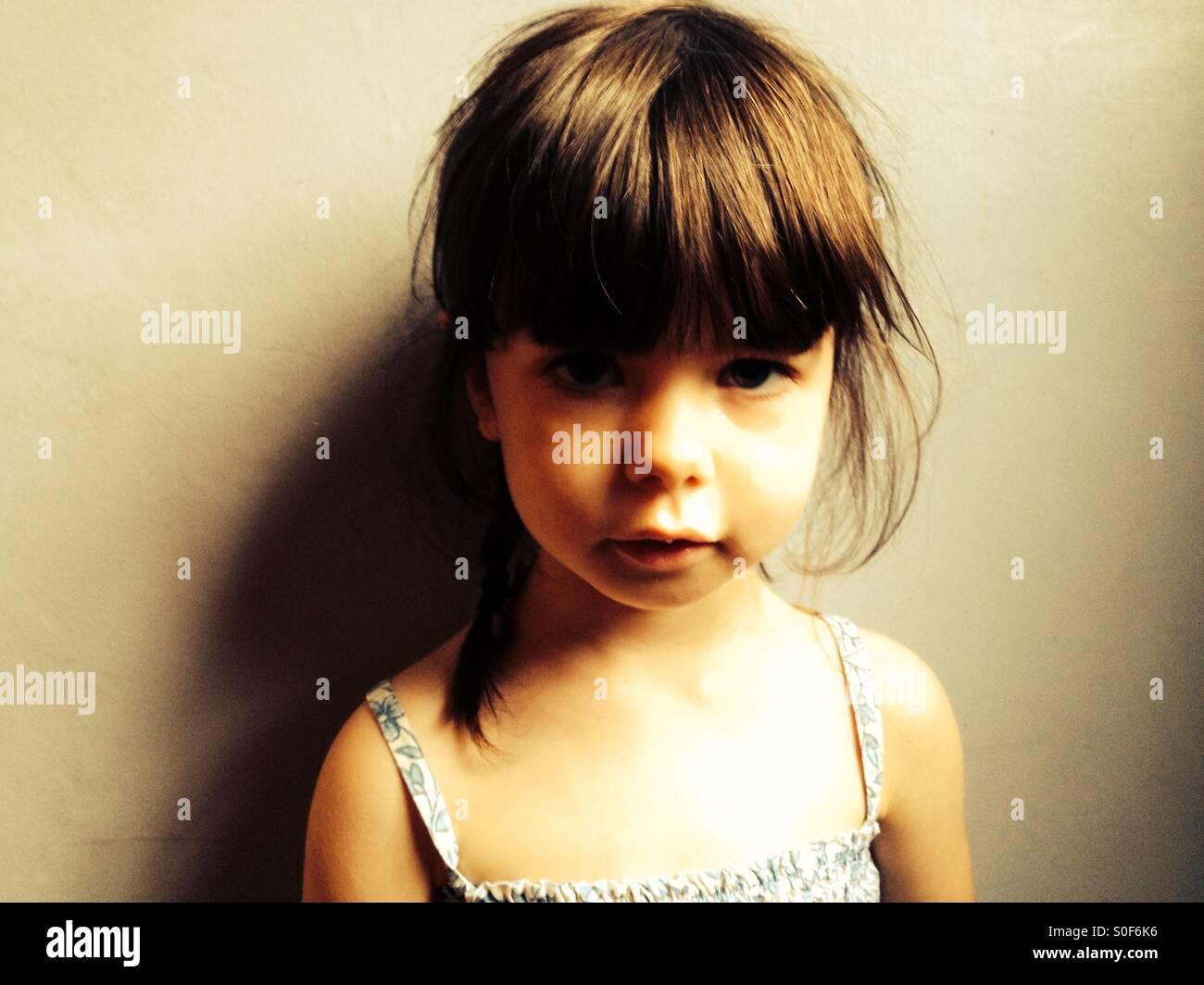 Infelice di 3 anno vecchia ragazza Immagini Stock
