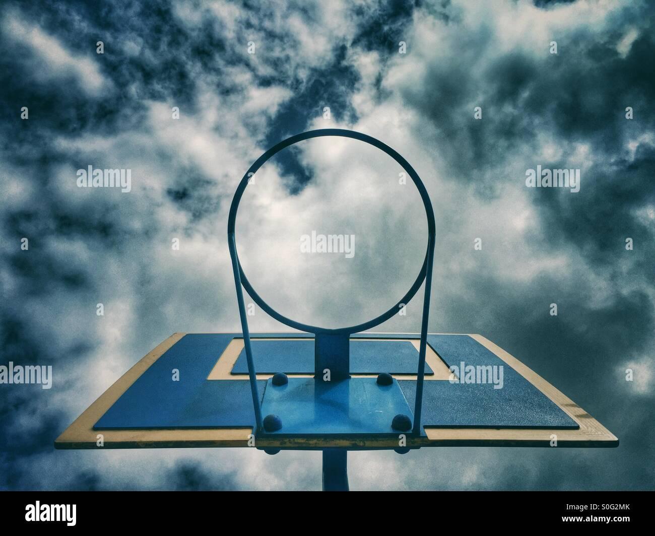 Canestro da basket Immagini Stock