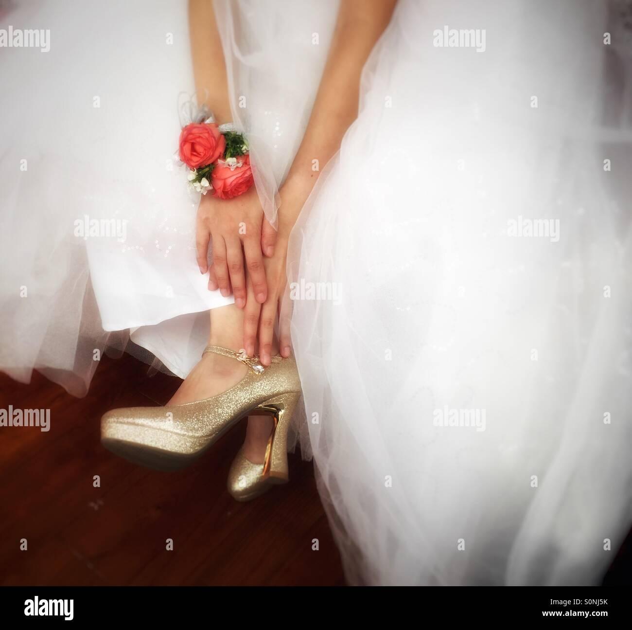 Scarpe sposa giorno di nozze Immagini Stock
