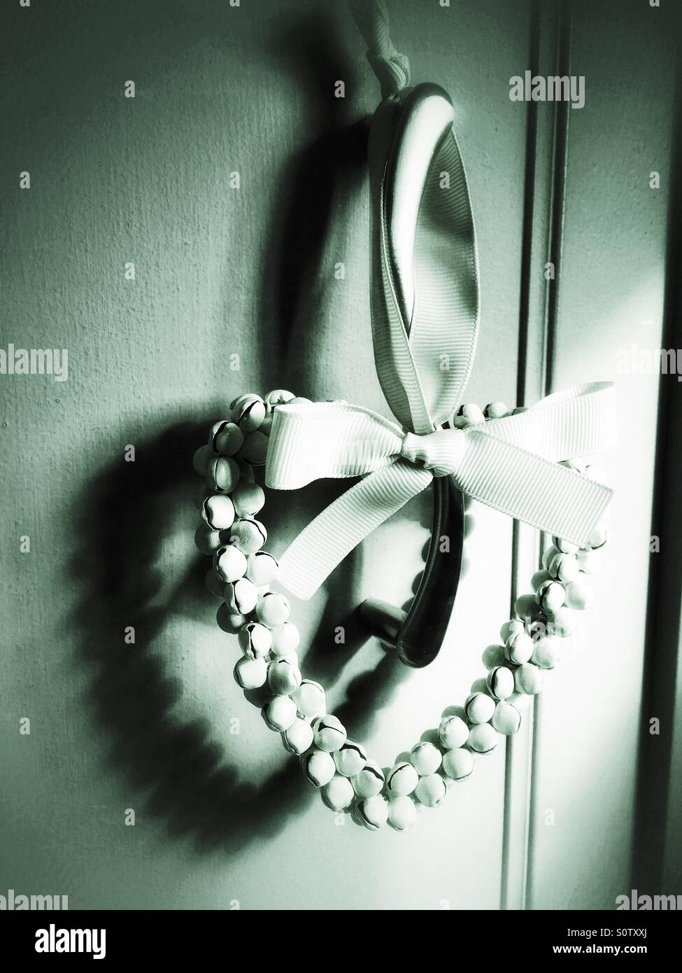 Decorazione a forma di cuore garland ombra di colata Immagini Stock