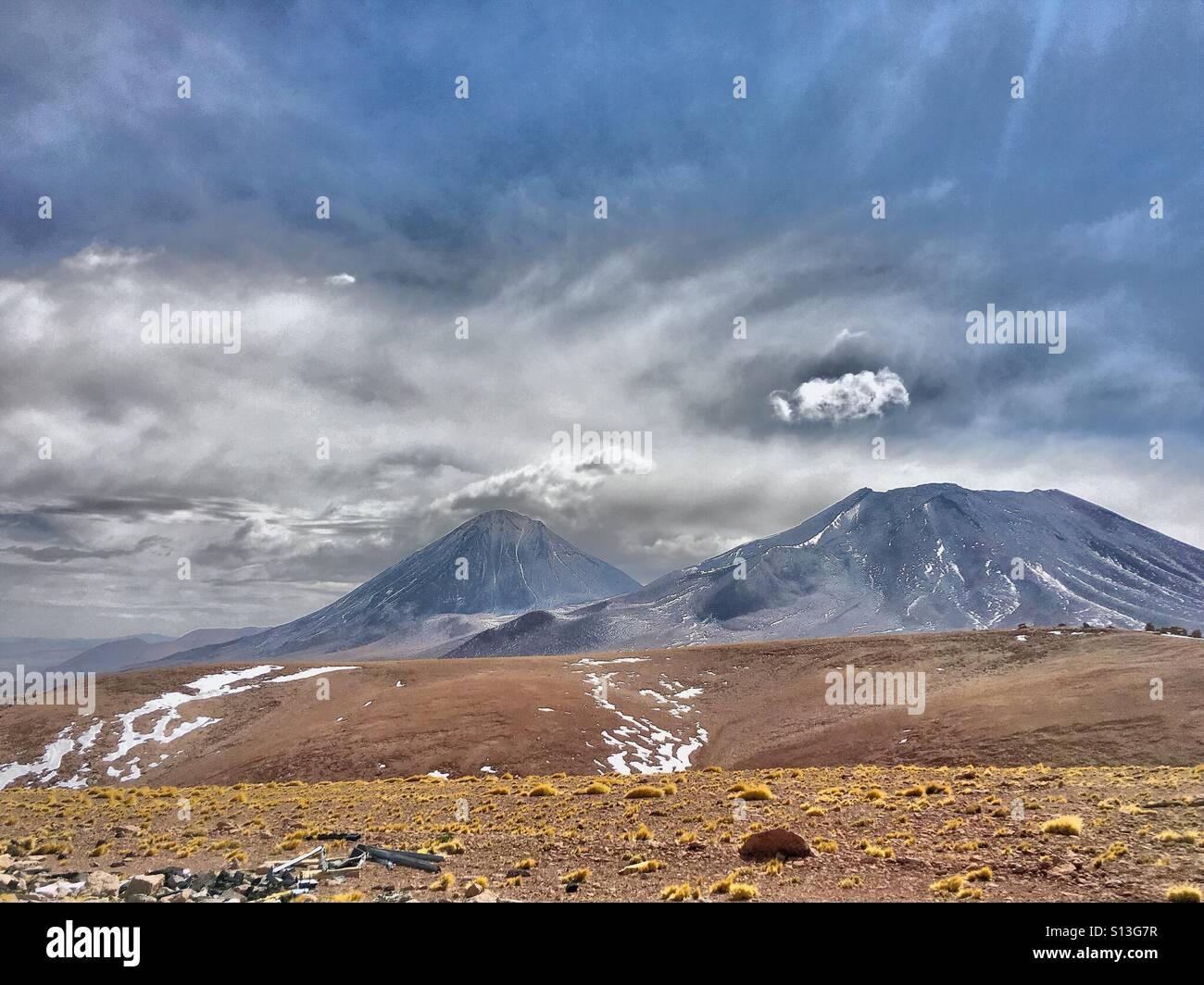 Volcan Licancabur, il Deserto di Atacama, Cile settentrionale Immagini Stock