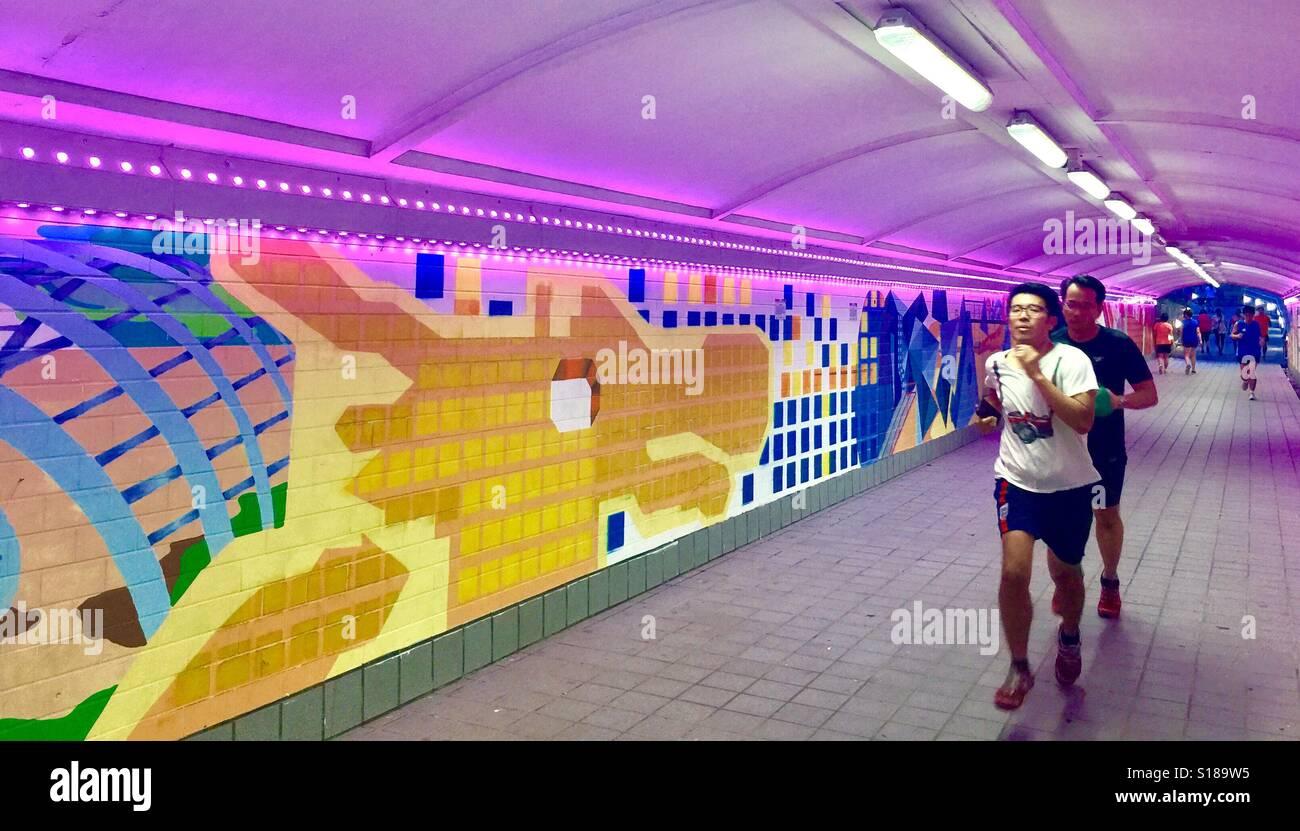 Per gli amanti del jogging di Singapore a Singapore il Clark Quay sottopassaggio Immagini Stock