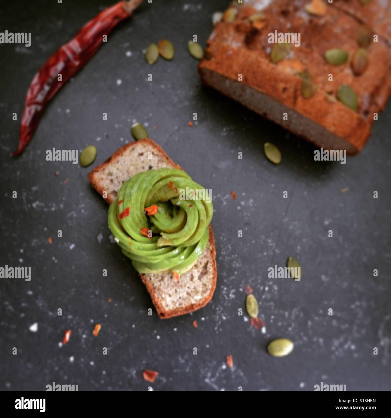 Pane tostato dell'avocado Immagini Stock