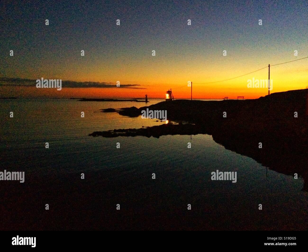Tramonto a Hönö, la costa occidentale della Svezia. Foto Stock