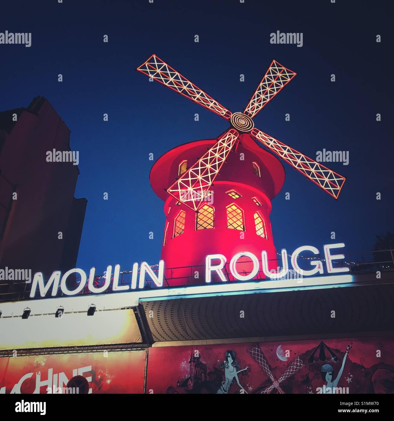 Il Moulin Rouge, Parigi, Francia Immagini Stock