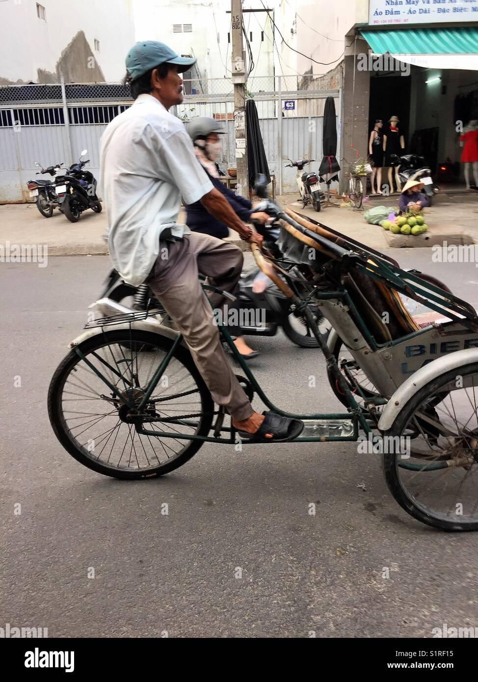 I trasporti locali a Nha Trang le strade per il turista. Immagini Stock