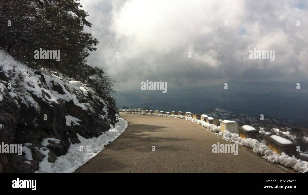 Carretera y cielo Immagini Stock
