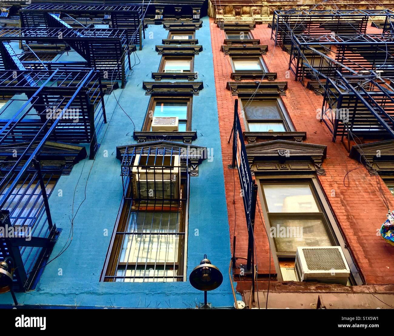 Gli edifici colorati della East Side di Manhattan Immagini Stock