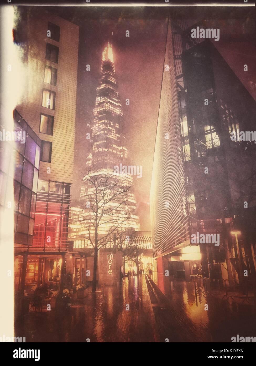 La Shard Building a Londra di notte Immagini Stock