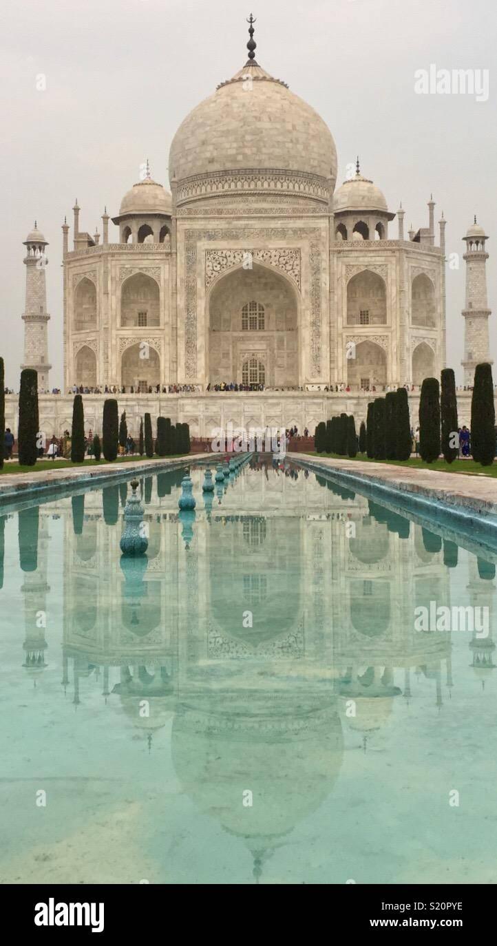 Il Taj Mahal appena prima del tramonto Immagini Stock