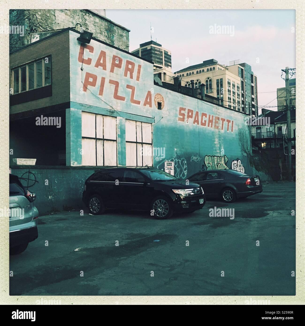 Capri Pizza Spaghetti, scena urbana, Hamilton, Ontario, Canada Immagini Stock