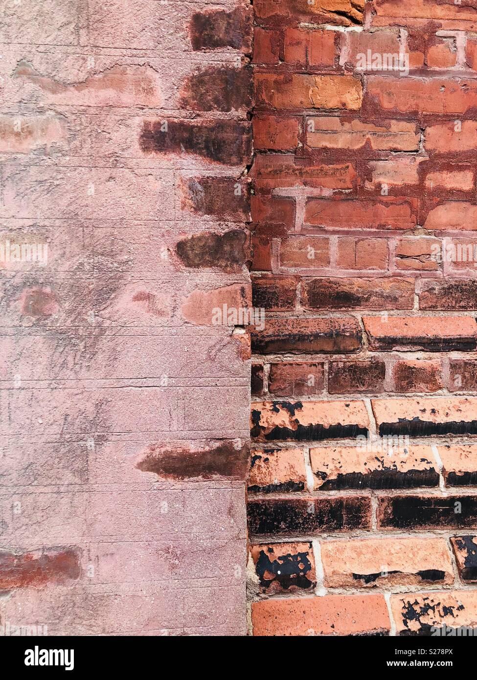 Rosso di parete di mattoni in dettaglio Distillery District a Toronto in Canada Foto Stock