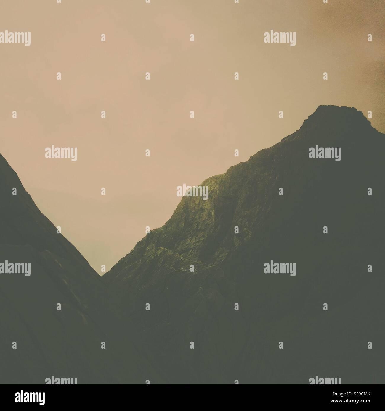 Il minimo astratto paesaggio di montagna dettaglio Immagini Stock