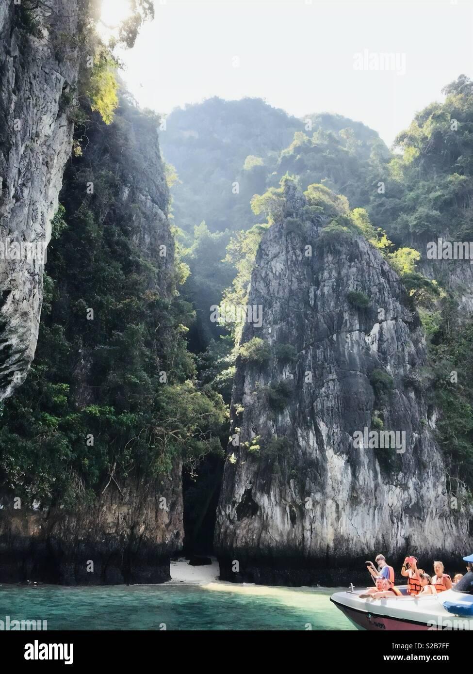 La mia vacanza a Krabi,della Thailandia. Tour in barca e roba ... Immagini Stock