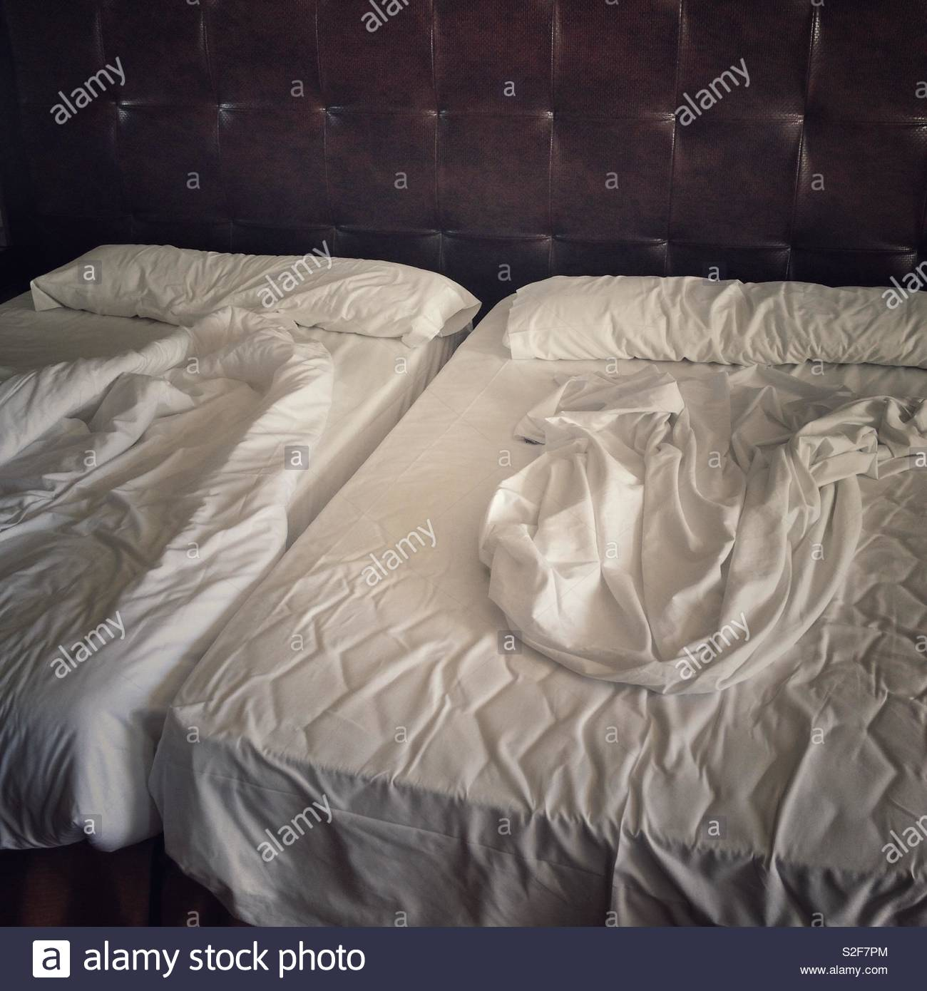 Untidy bed sheets Immagini Stock