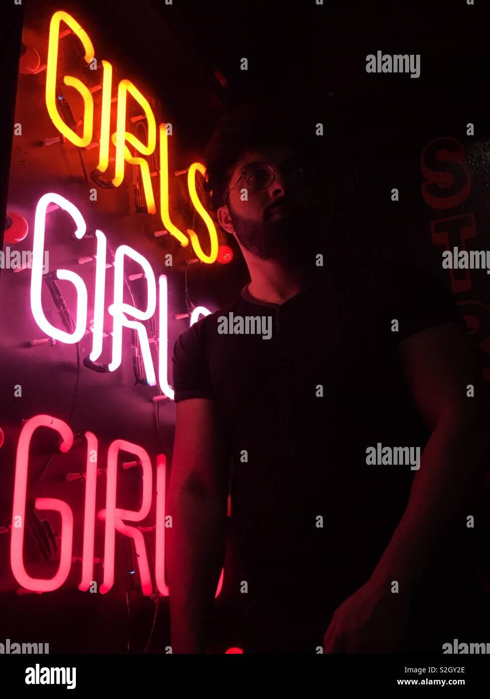 Segno al neon Foto Stock
