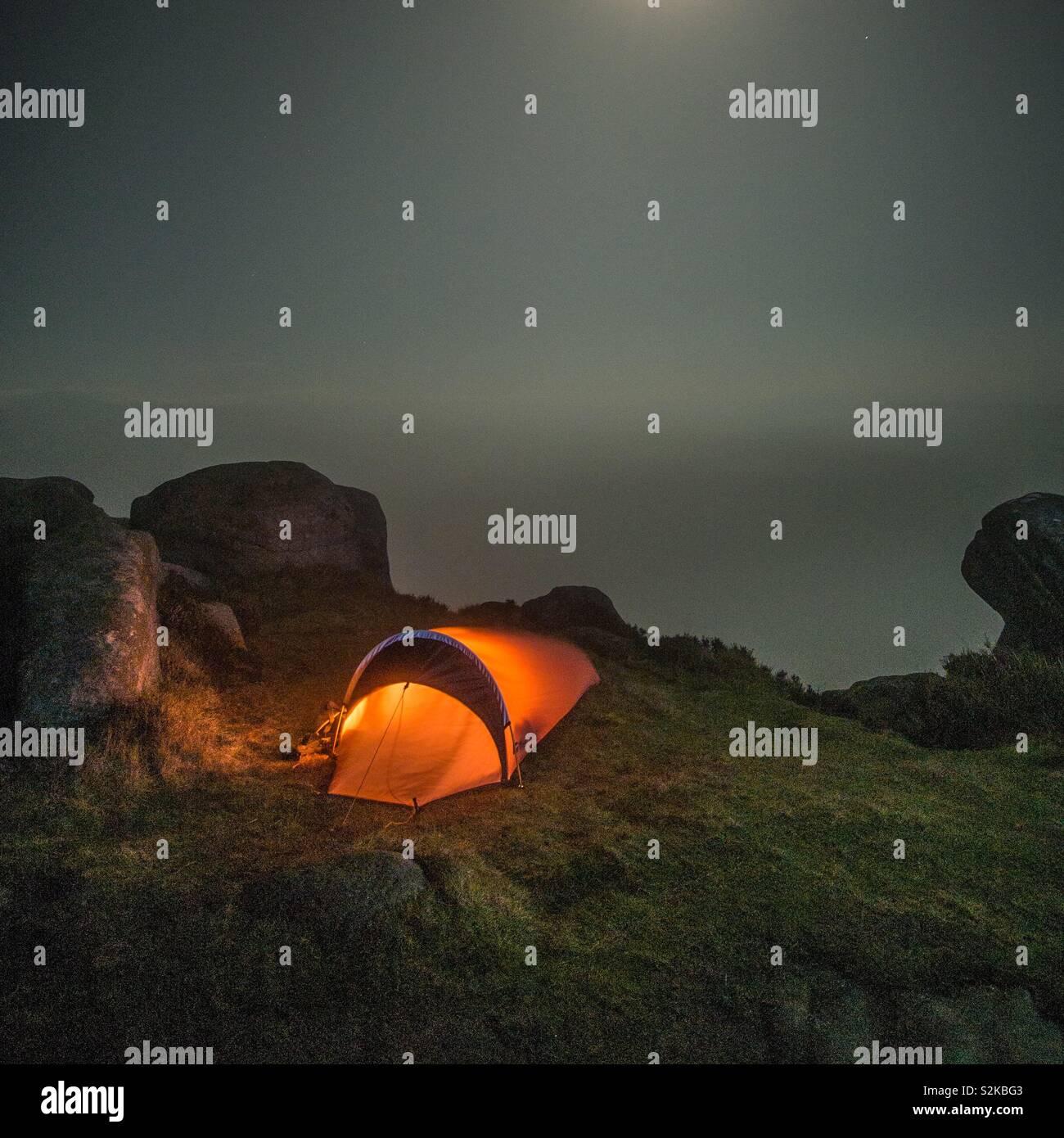 Campeggio selvaggio Immagini Stock