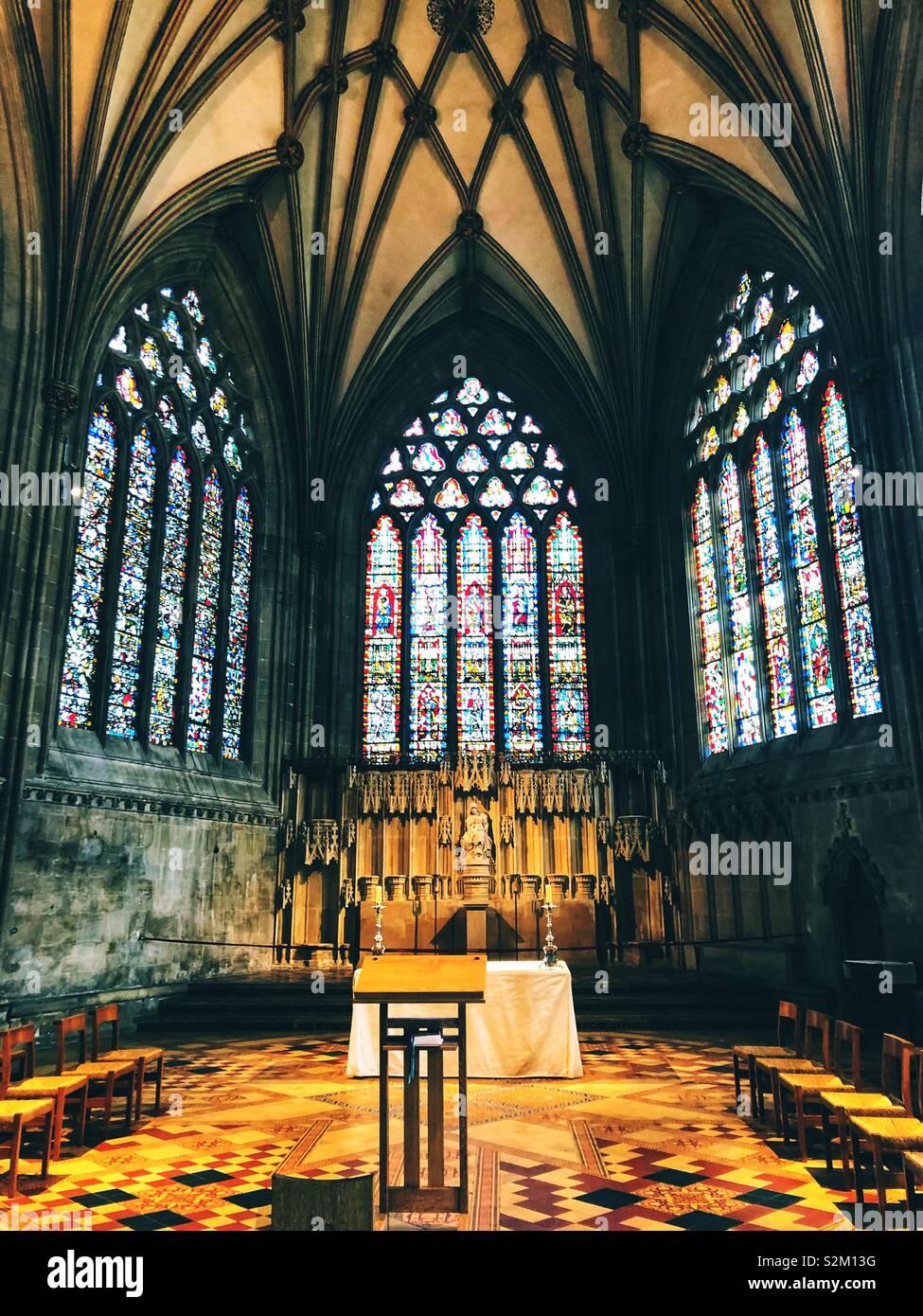 Il vetro macchiato cappella presso la Cattedrale di Wells Foto Stock