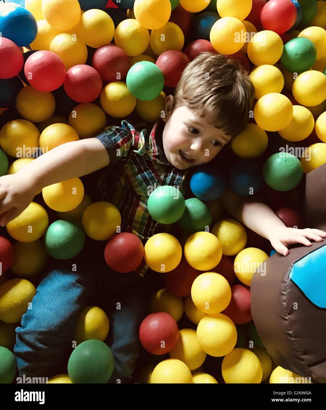 Piscina di palline Foto Stock