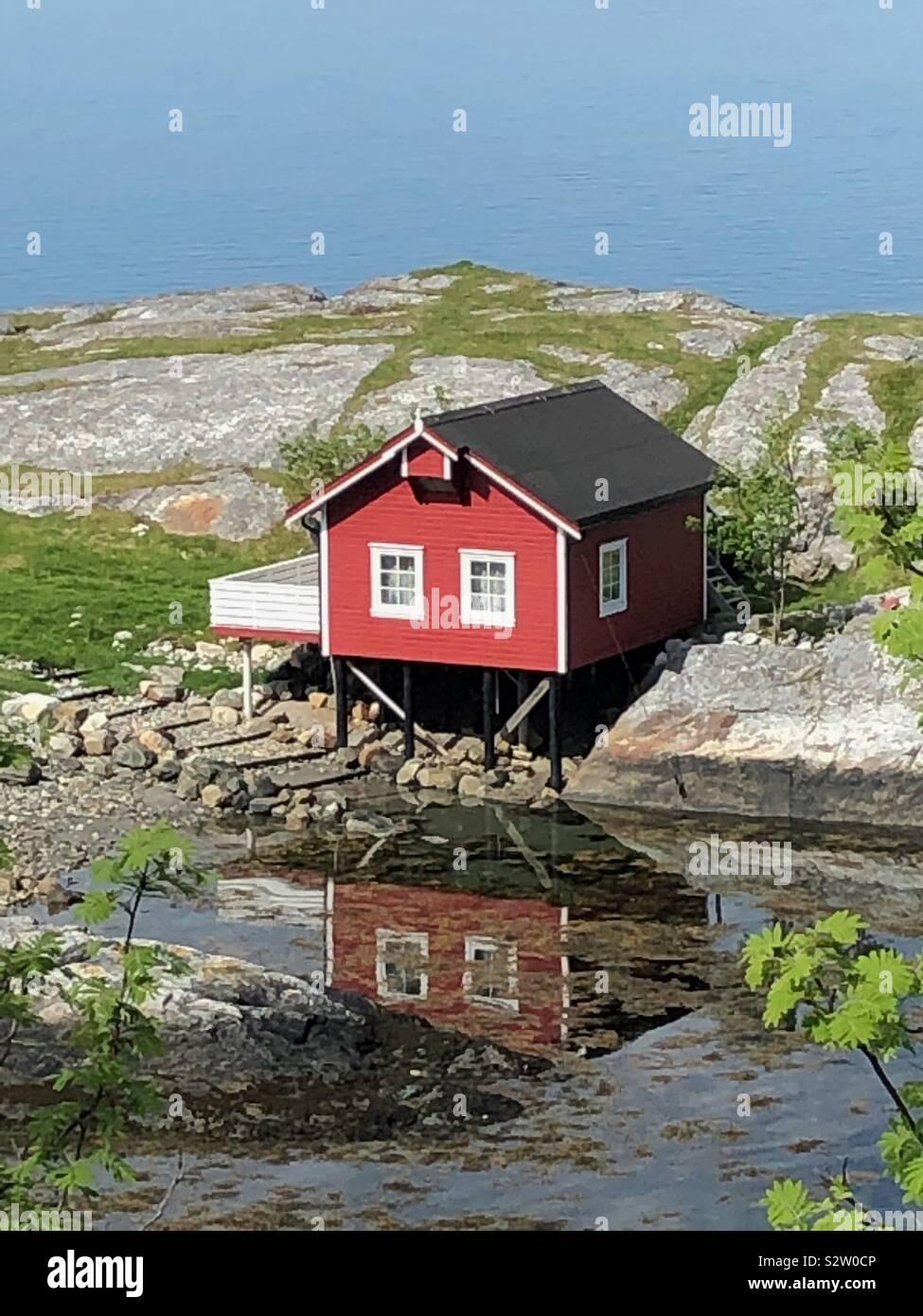 Pesca rosso cabina, Norvegia Foto Stock
